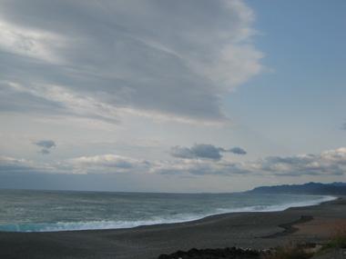 風吹く海岸